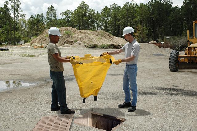 Ultratech 93rdg Reusable Drain Guard Catch Basin Insert